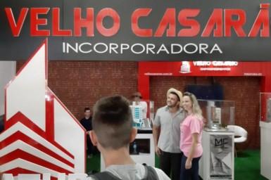 Badin - o Colono no stander da Construtora Velho Casarão na EXPOVALE - CAPINZAL